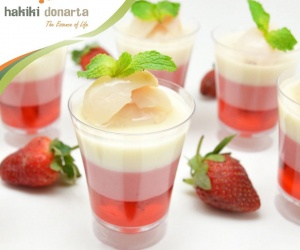 STRAWBERRY CHEESE & LYCHEE PUDDING