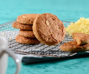 Almond Cheese Cookie
