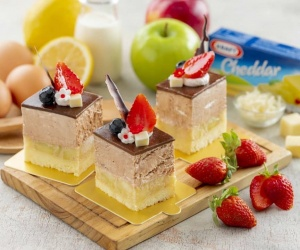 Mixed Fruit Steamed Cheese Cake